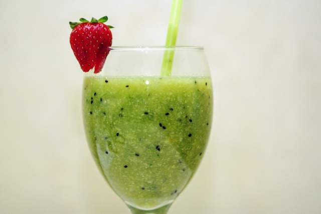 kiwi-lime-smoothie