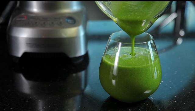 kiwi-and-spinach-smoothie
