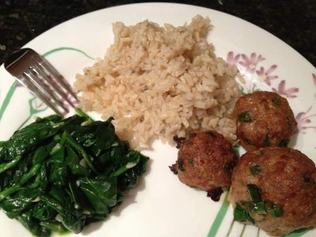 turkey-meatballs-with-sauted-spinach-and-brown-rice