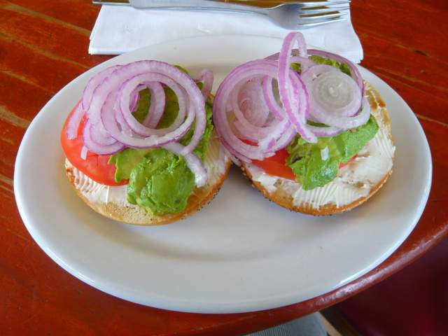 bagel-with-guacamole-topping