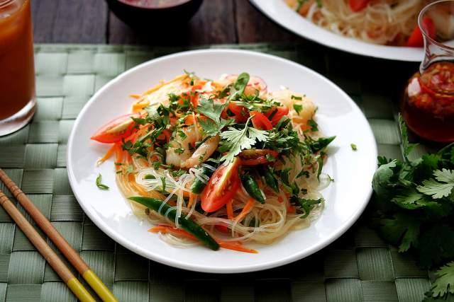 asian-shrimp-noodle-salad