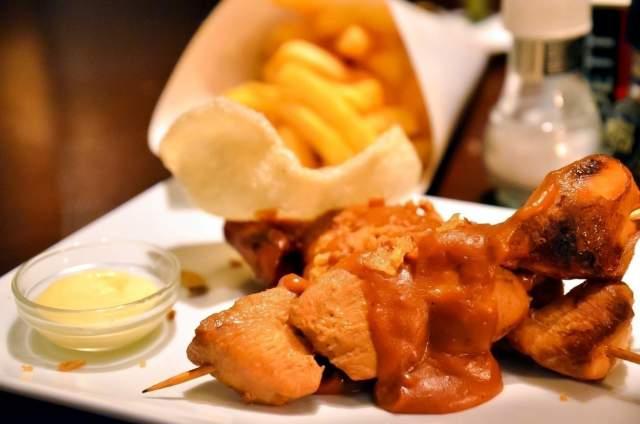 chicken-kebab-with-peanut-sauce