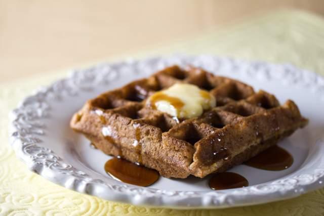 chocolate-banana-waffles