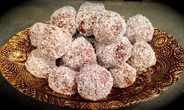 coconut-date-balls