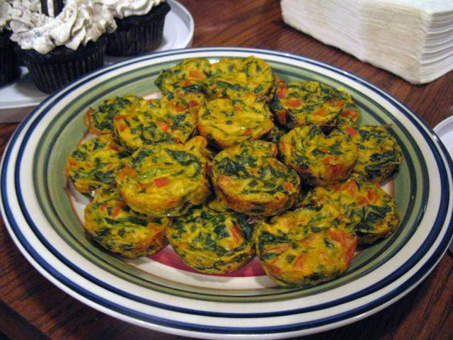 spinach-and-sausage-quiches