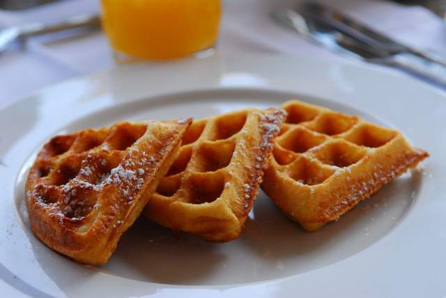 waffles-coated-with-cinnamon-sugar
