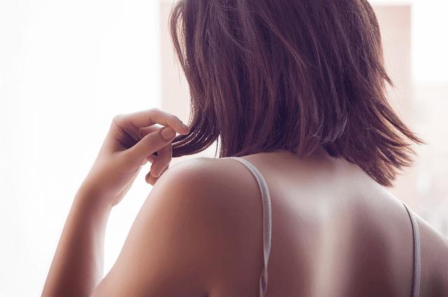 women shoulders