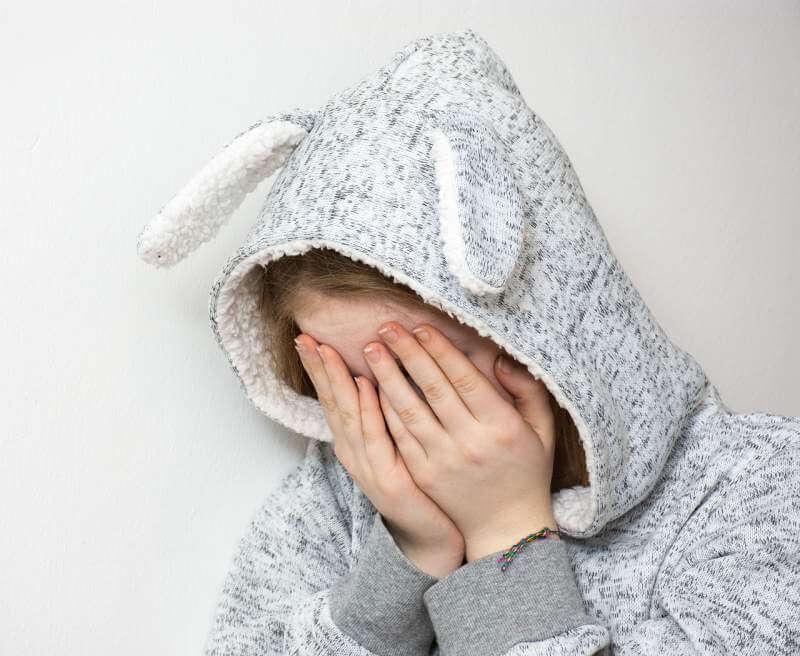 desperate-sad-depressed-cry