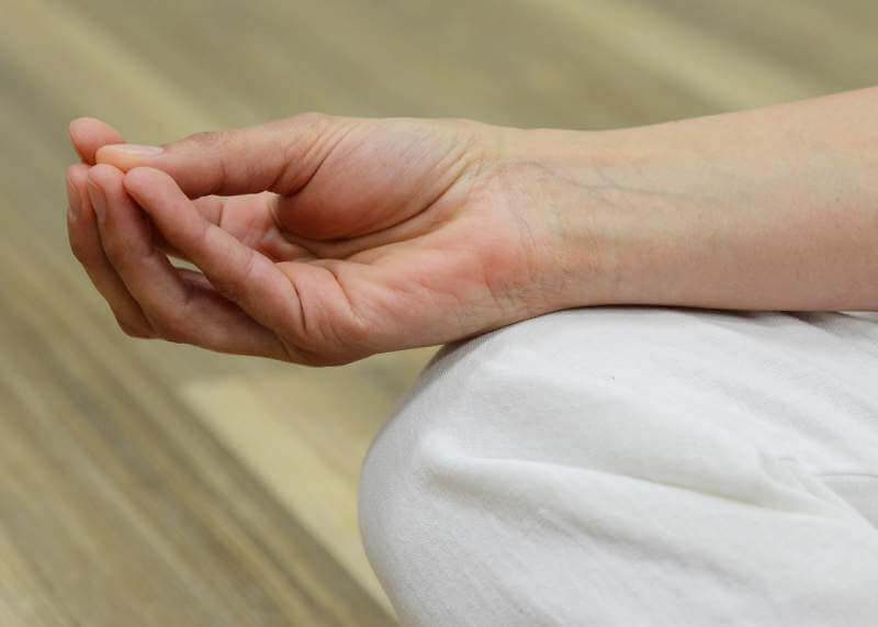 mudra-meditate-energy-meditation