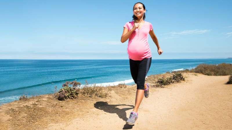 Jogging preganant women
