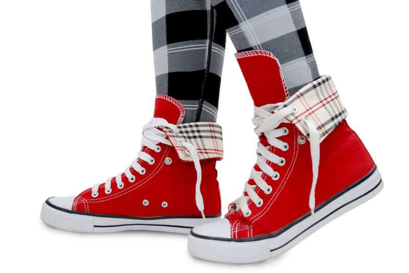 red-sneakers-checkered-leggings