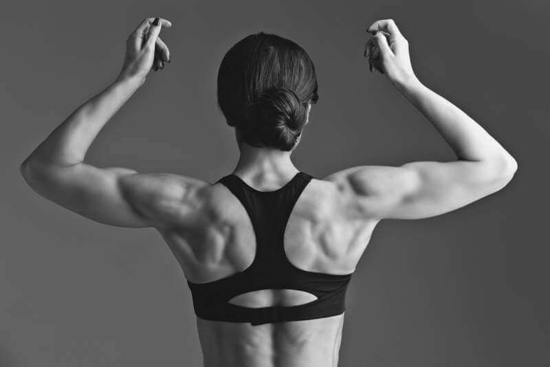 sporty-girl-back-with-muscles