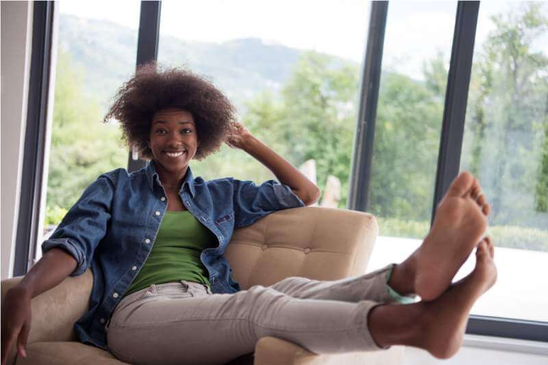 black-women-at-home-in-the-chair