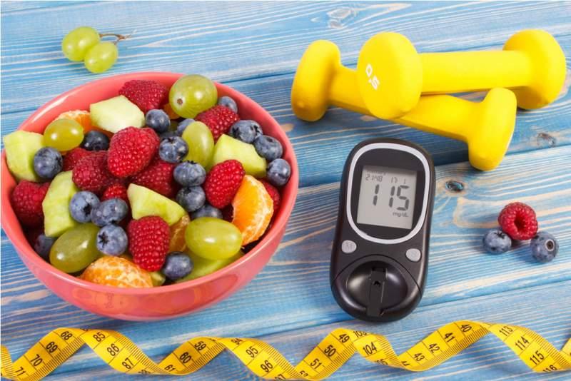 fresh-fruit-salad-glucometer-centimeter
