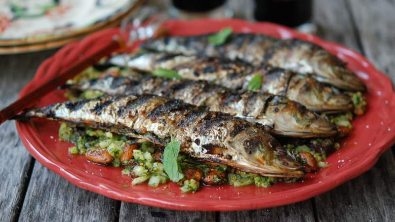 grilled-sardines-with-mint-and-almonds