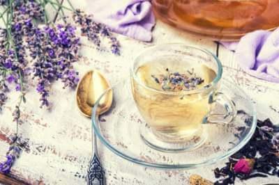 herbal-tea-with-lavender