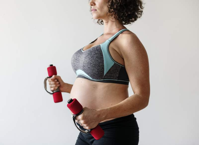 pregnant-woman-doing-light-exercise