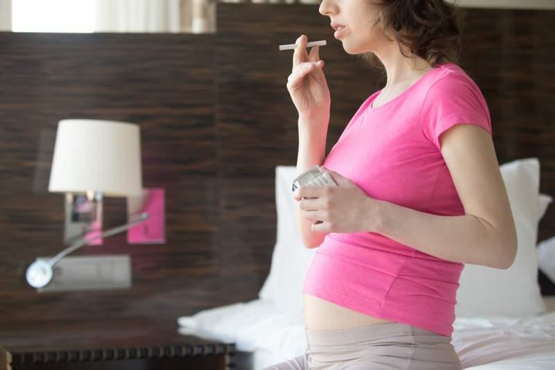 smoking-future-mom