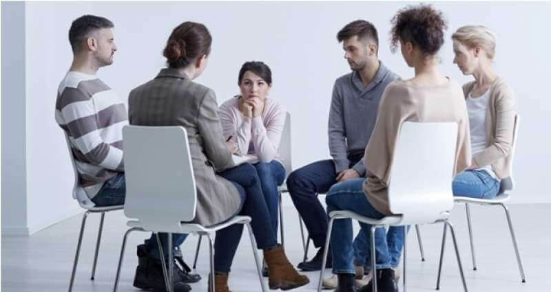 sitting-in-circle-with-psychologist