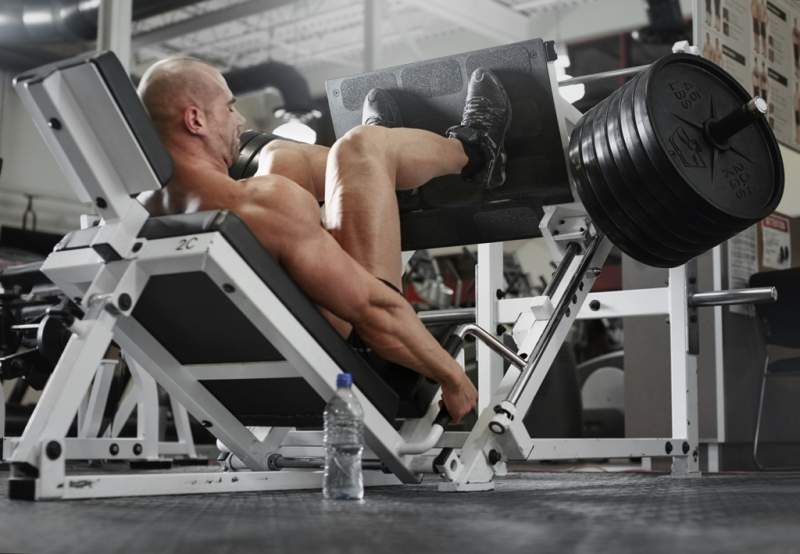 bodybuilder-working-out-at-the-gym