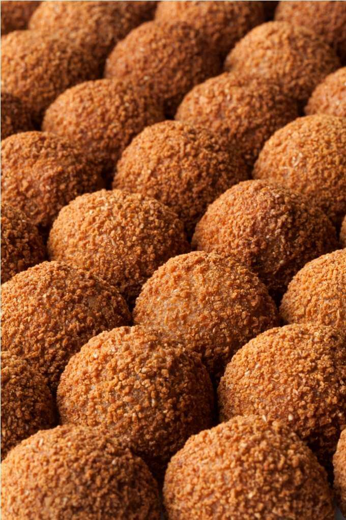 dutch-traditional-snack-bitterballen-full-frame