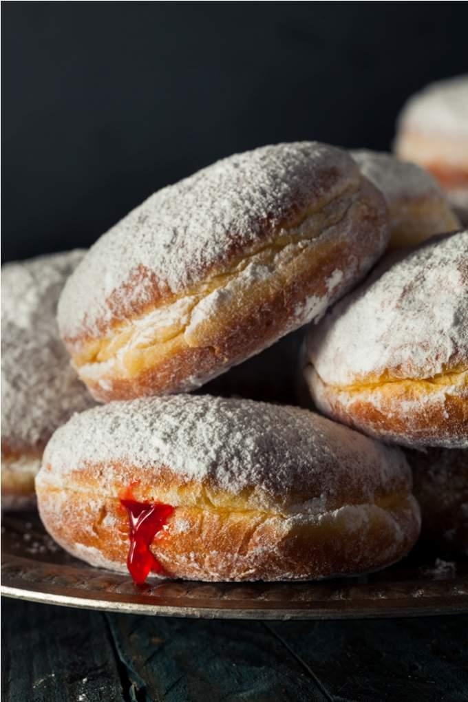 homemade-sugary-paczki-donut