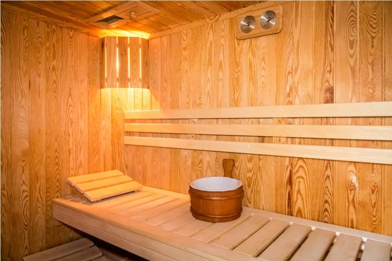 interior-of-a-wooden-bed-in-a-home-sauna