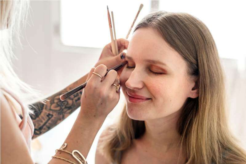 makeup-artist-at-work