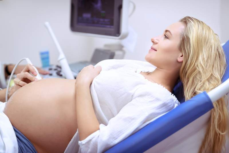 pregnant-woman-on-ultrasound
