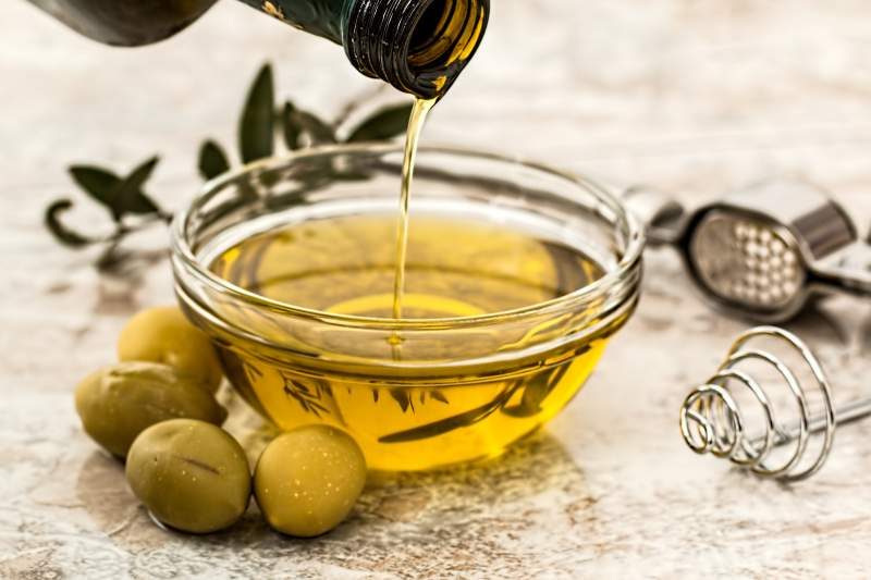 oliveoil-close-up