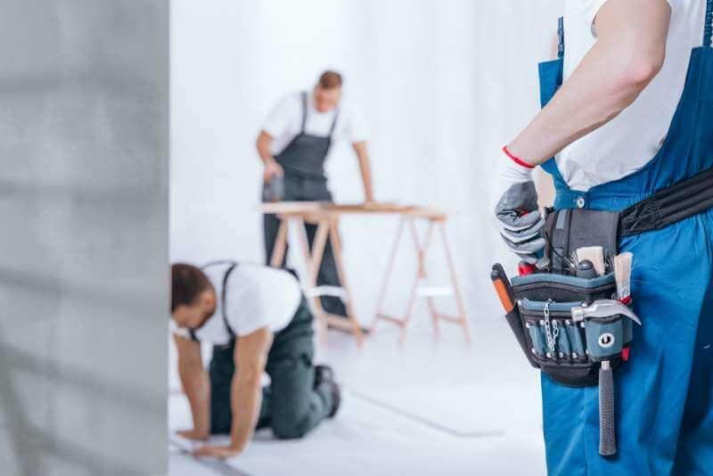 handyman-with-tool-belt