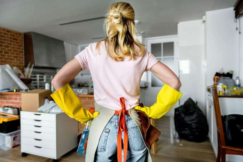 woman-cleaning-the-house