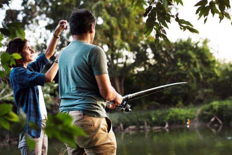 couple-fishing-in-the-jungle