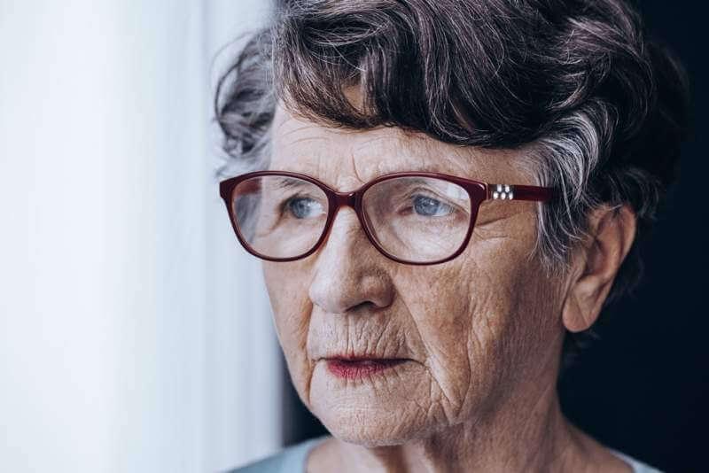 sad-older-lady