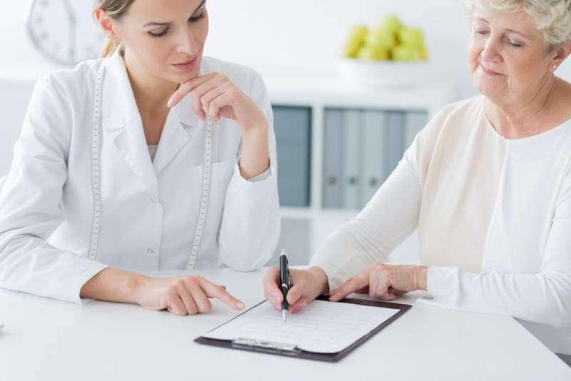 elderly-woman-choosing-diet-plan