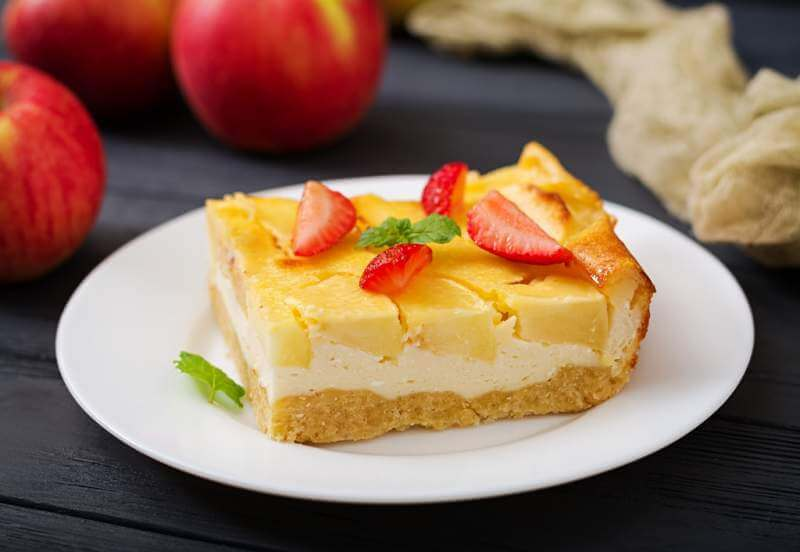 appetizing-cottage-cheese-casserole-with-apples