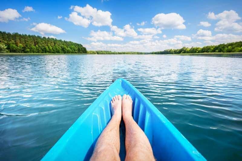 kayaking-on-the-lake