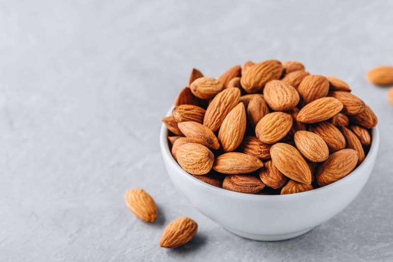 raw-whole-almond-in-bowl